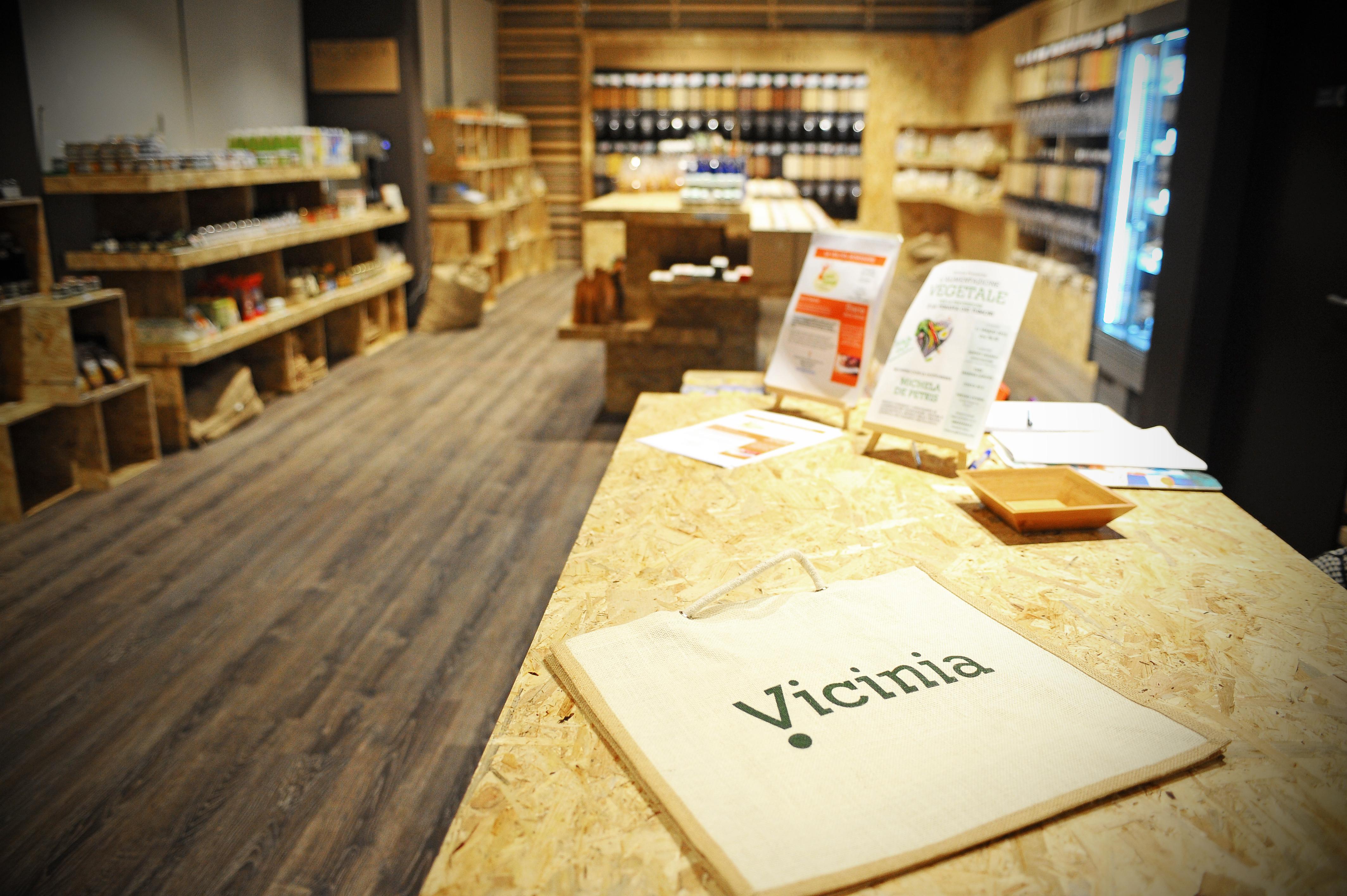 Vicinia: negozio a kilometro zero, bio e zero pack a Bergamo