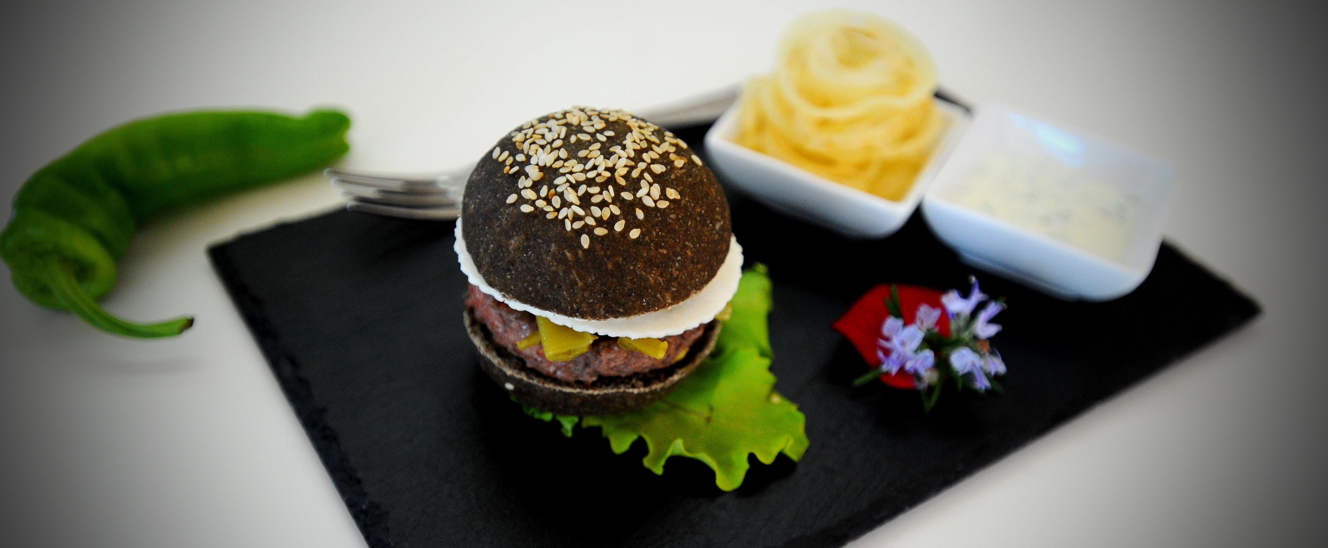 Mini burger al grano arso ricetta fingerfood di mangiare - Cucina gourmet ricette ...
